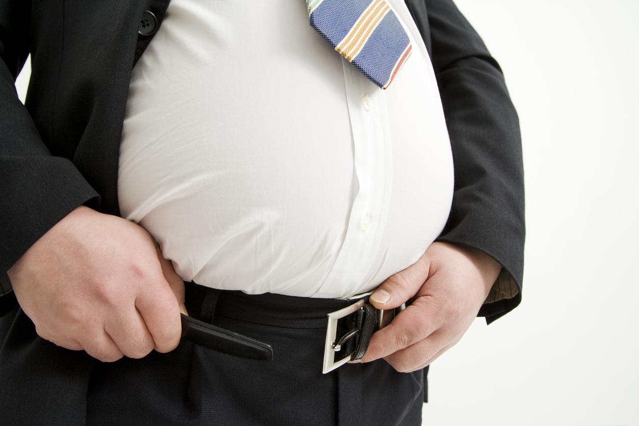 肥満 男性 スーツ